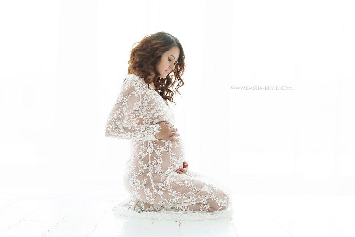 89eb35269a5040f Фотосессия скоро мама в белом пеньюаре | фотосессия беременности ...