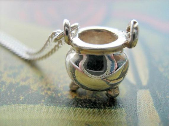 Sterling silver witches cauldron necklace    So darn cute!