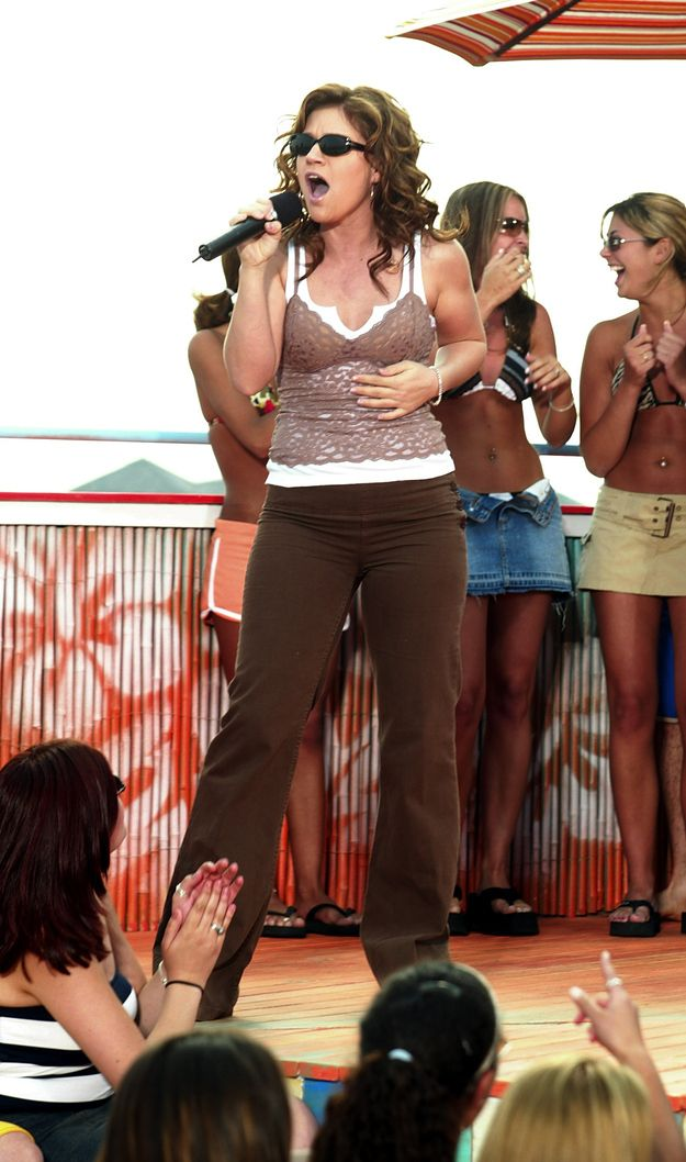Layering Your Tank Tops 2010 Fashion Trends Early 2000s Fashion 2000s Fashion