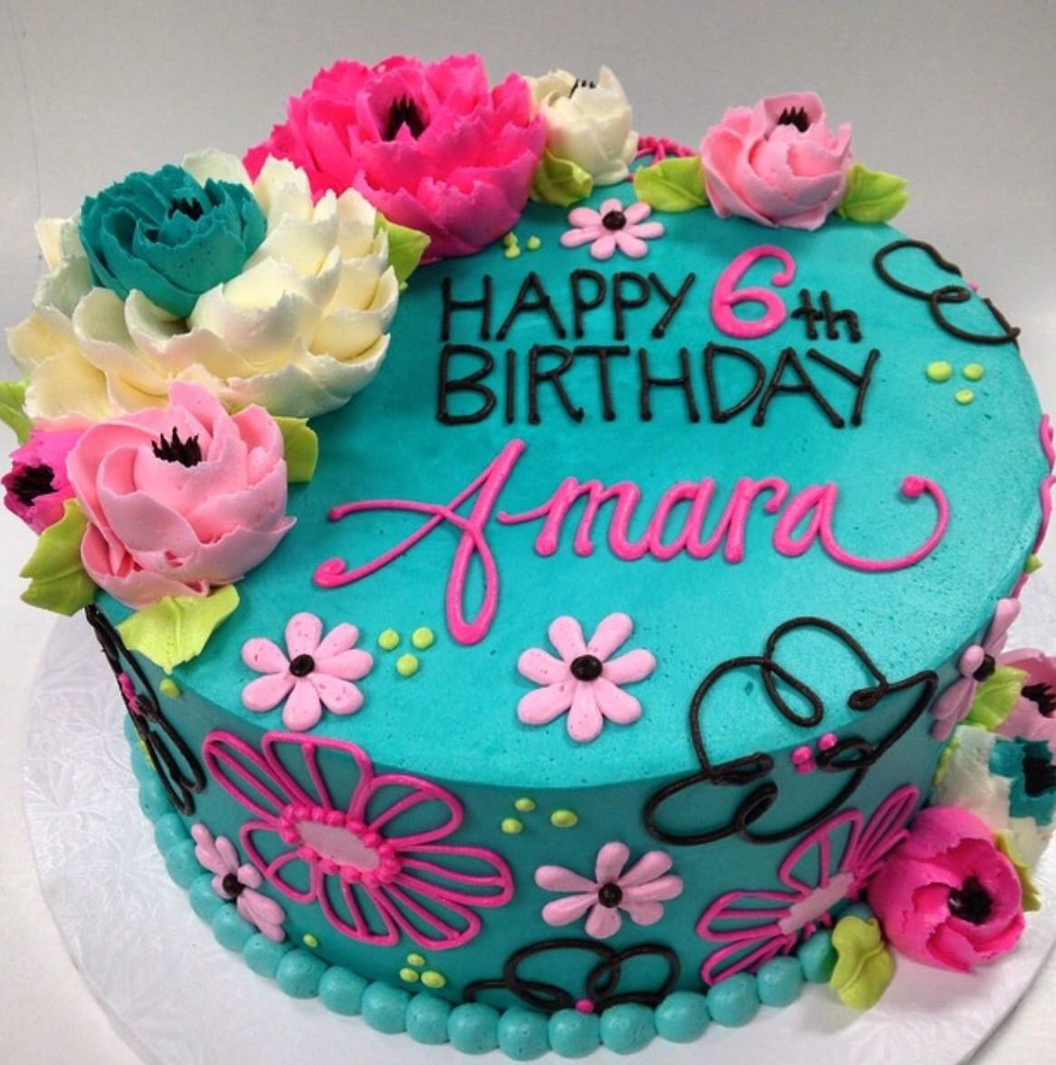 White Flower Cake Shoppe Signature Buttercream Flowers Lovely floral