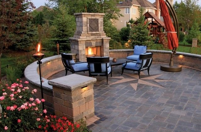 gartenkamin gemauert stein ideen terrasse eisenmöbel | Wege ...