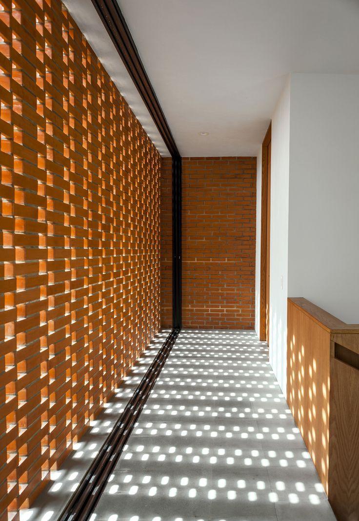 Gallery of ro house alexanderson arquitectos 3 for Celosias para interiores