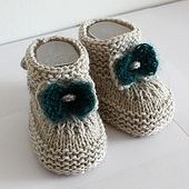 This is a Knitting PATTERN Baby Booties with Knitted Bow