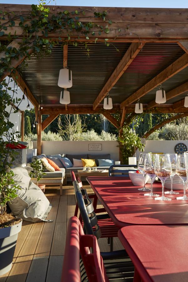 Un grand salon de jardin au look moderne – Artofit