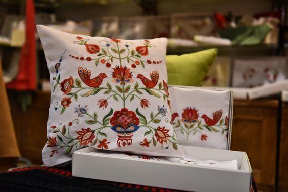 Embroidered Pillowcase 40 * 40 СМ,Linen pillowcase,Floral Home Decor Organic pillowcase Bright embro