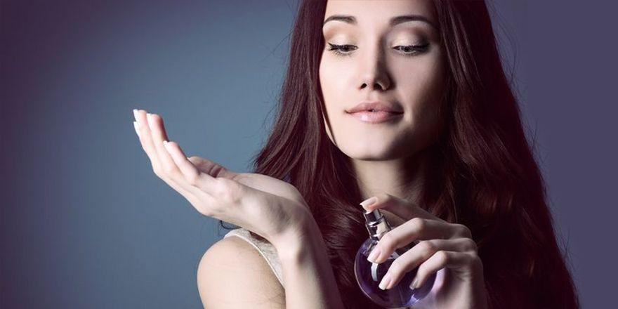 Eau de Toilette vs Eau de Parfum Who Reigns Queen #bellablog