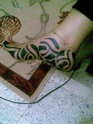 طريقة خلطة الحناء السودانية مع شكل راقي وبسيط بالاستيكرز والشريط Sudanese Henna With The Tape Youtube Henna Designs Feet Henna Designs Henna