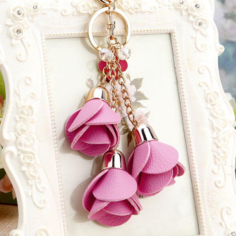 New Fashion Leather Rose Flower Keychain Tassel Flower Key Chain Women Purse Key Chain Female Bags Charm Car Pendant Ornaments Artesanato Acessorios Chaveiros