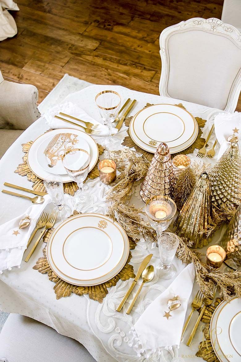 25 Absolutely Gorgeous Centerpiece Ideas For Your Christmas Table Gold Christmas Decorations Christmas Table Decorations Gold Holiday Decor