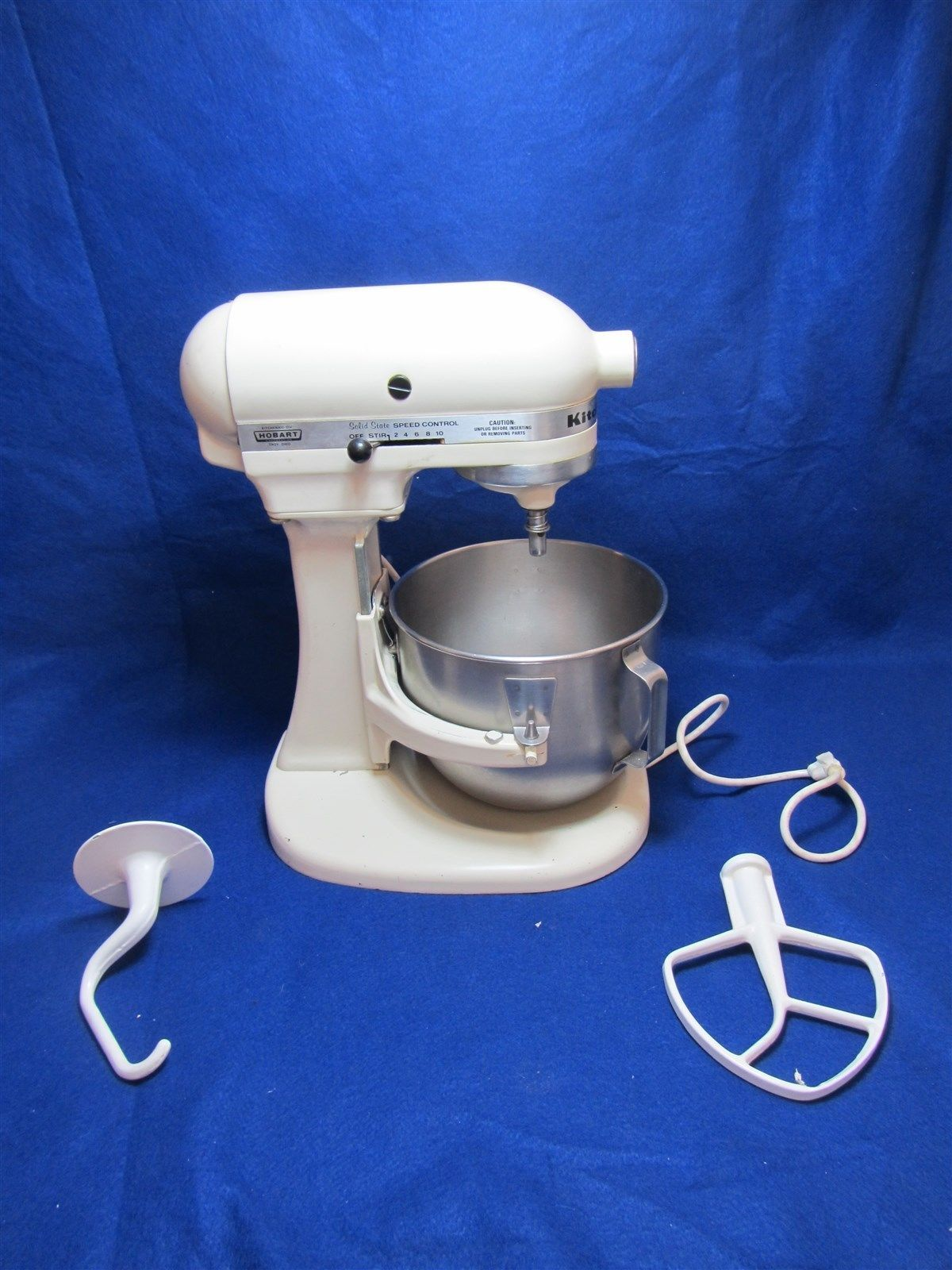KitchenAid Hobart K5SS White Countertop Mixer w/ Bowl & Accessories Attachments https://t.co/QBqK5zBPGu https://t.co/bk0MgqqKkG