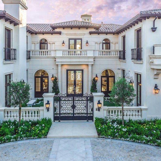 Check Out Drake S Lavish Beverly Hills Villa Airbnb A