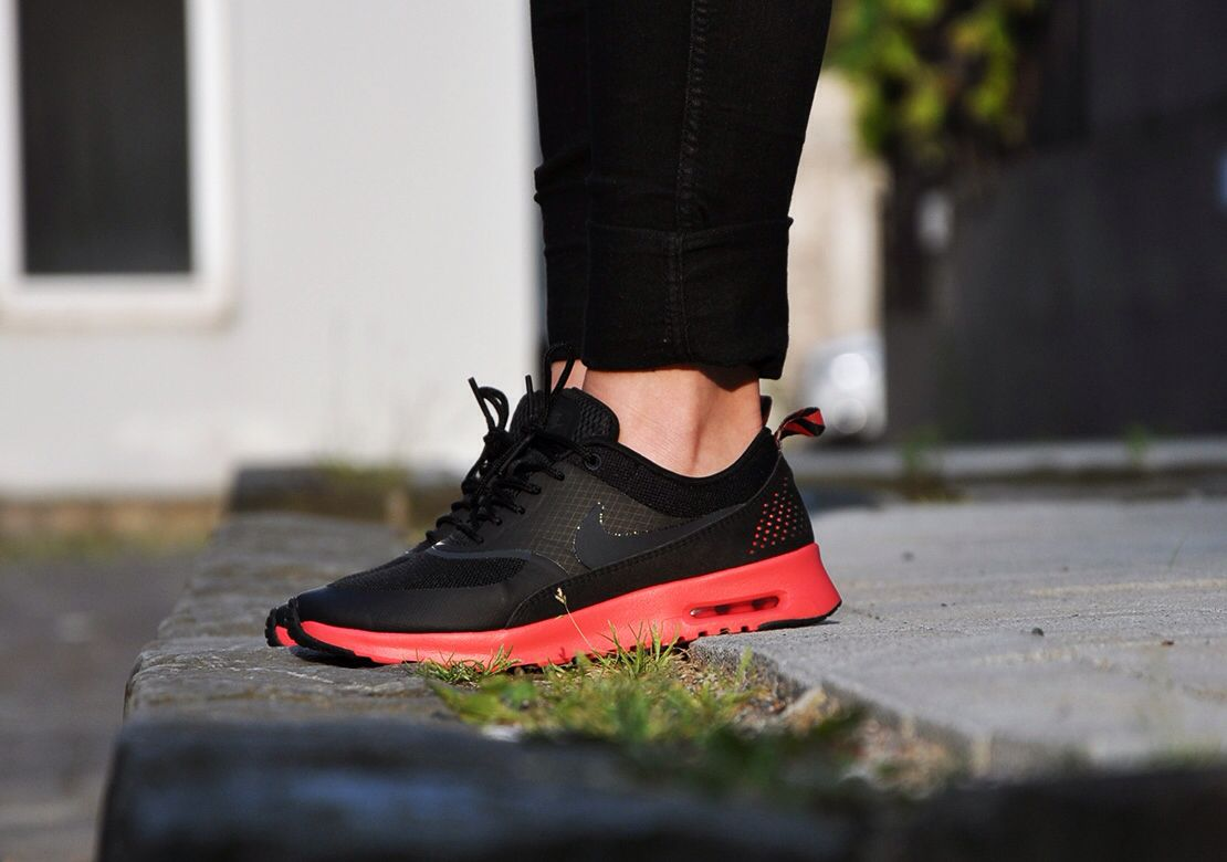 Nike WMNS Air Max Thea Black Anthracite Fusion Red