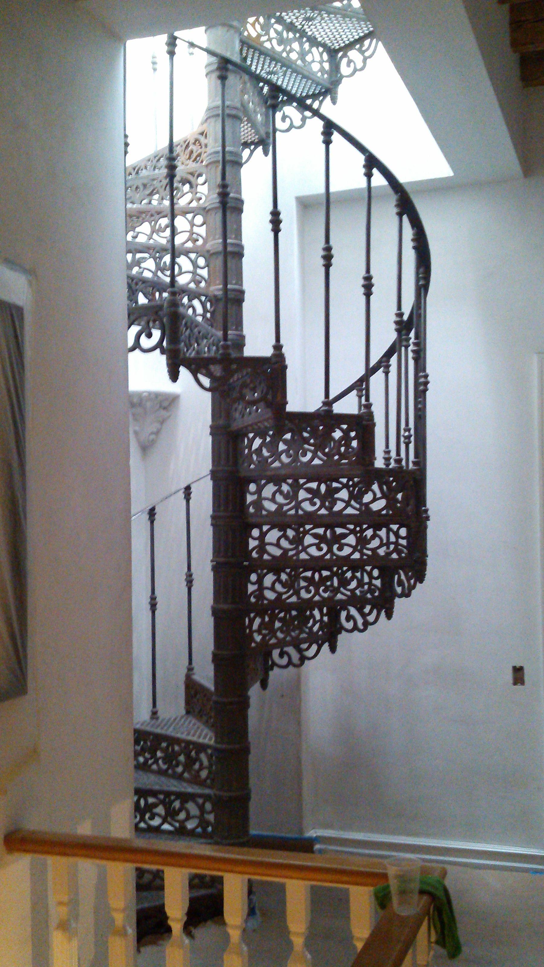 Escalera caracol fierro colado escaleras escaleras - Escalera caracol de madera ...
