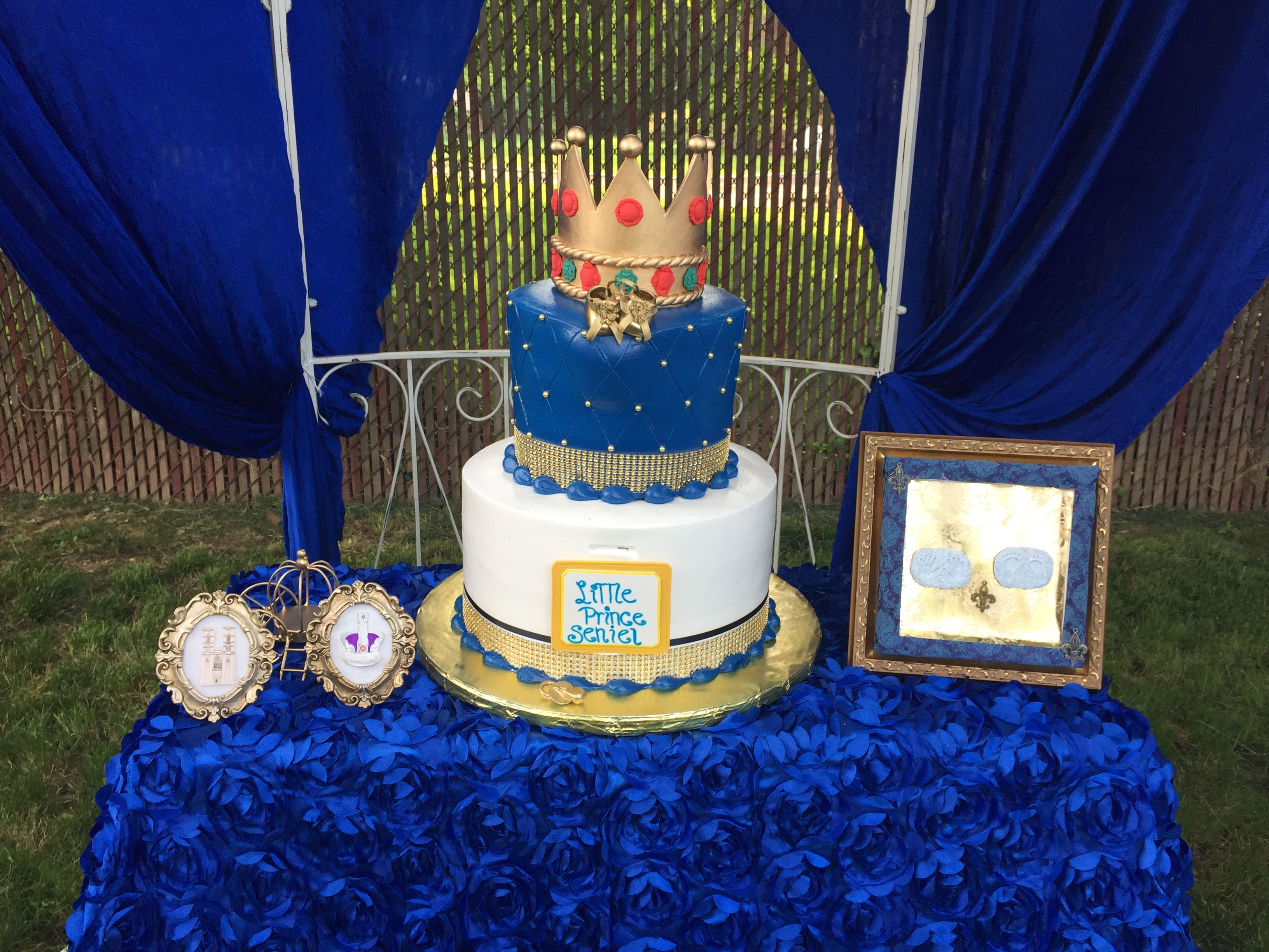 Prince Theme Party #RoyalBlue #babyshower #birthda #party #birthdayparty #Gold #royal #castle #outdoorparty #garden #beautiful #boy #cake #cupcake #candytable