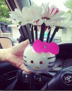 Hello Kitty table arrangement