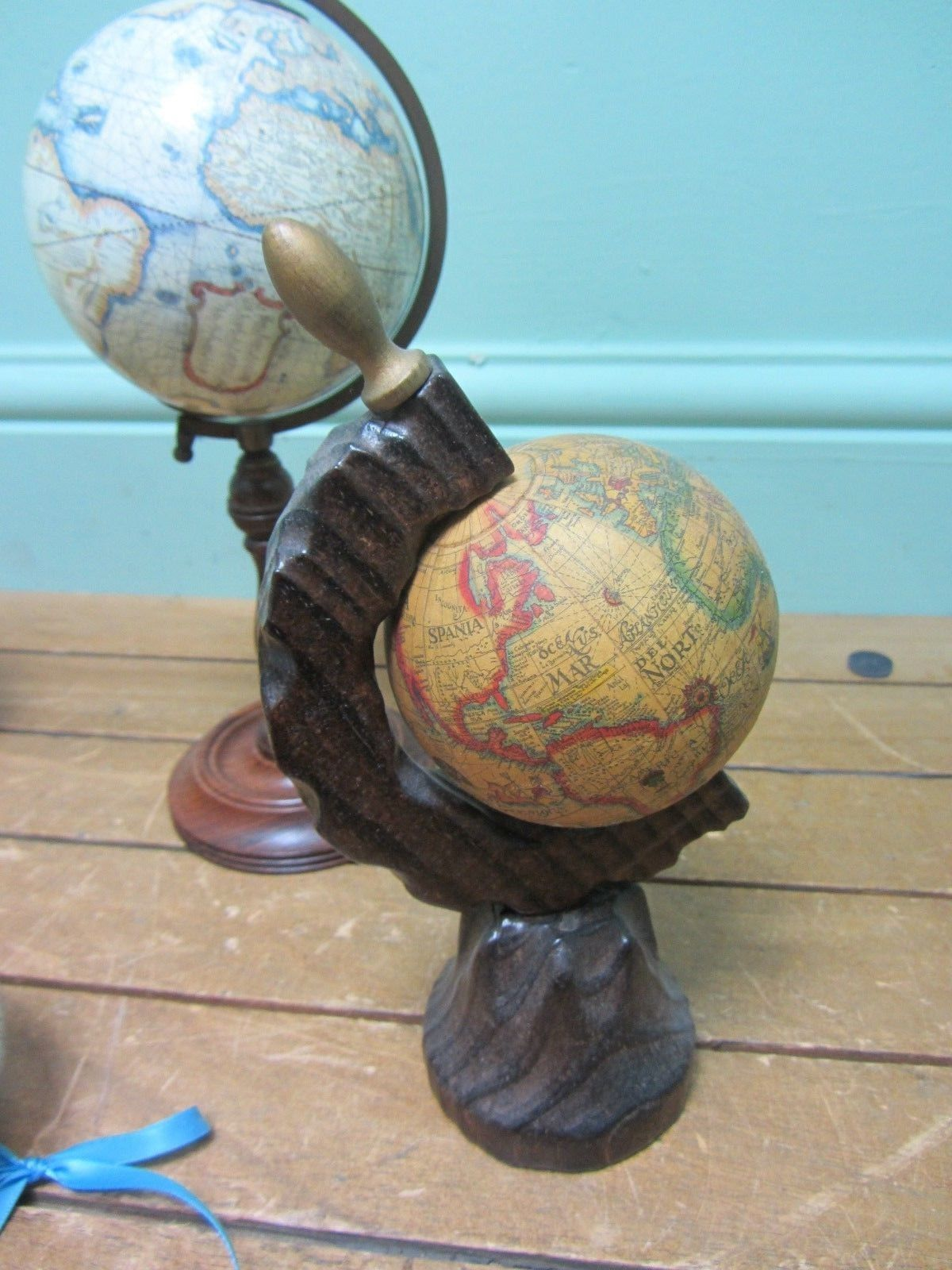 Small world globes rotating map on stand job lot c4 ebay globe small world globes rotating map on stand gumiabroncs Images