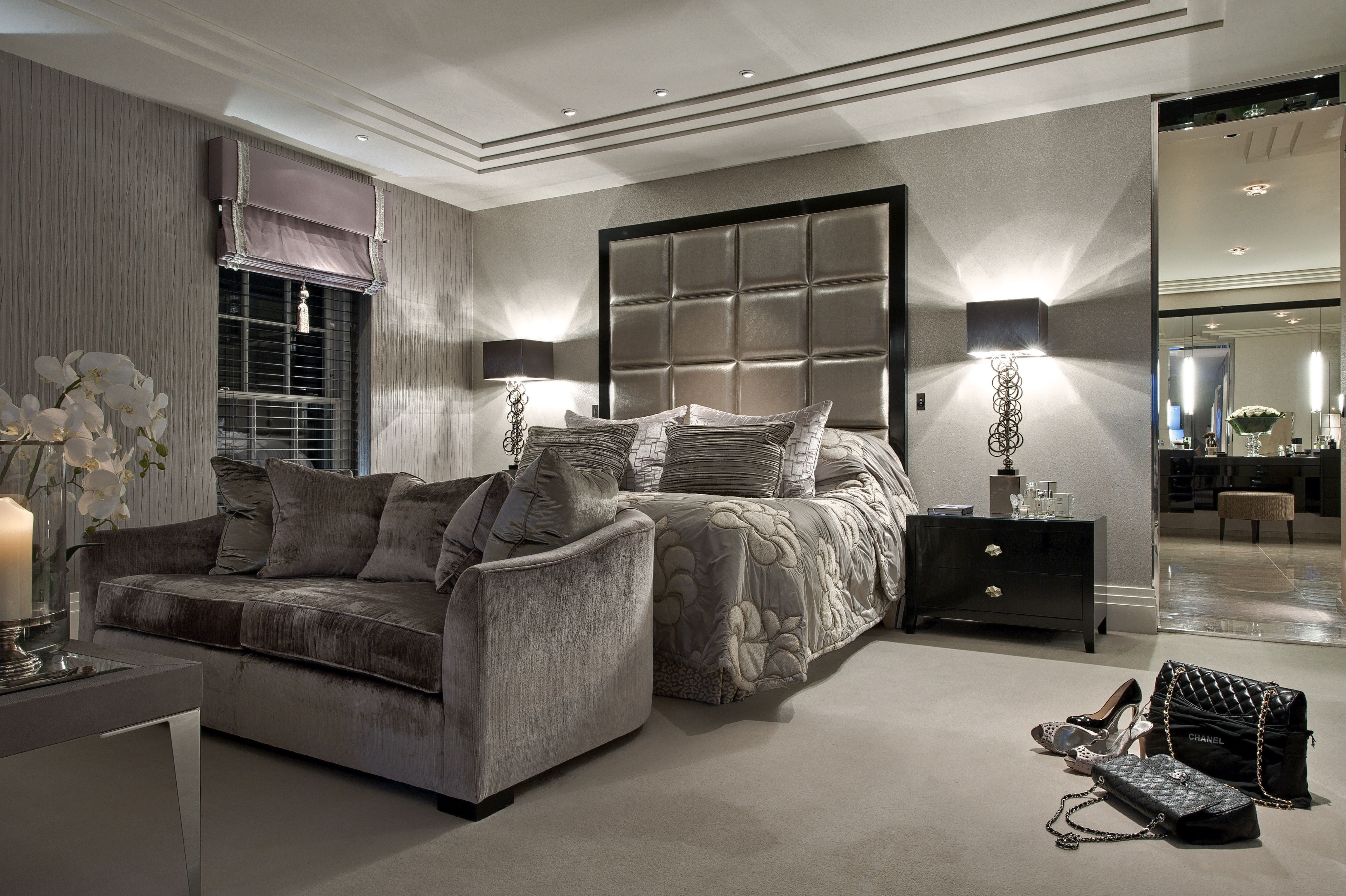 Master bedroom suite © Hill House Interiors Homes