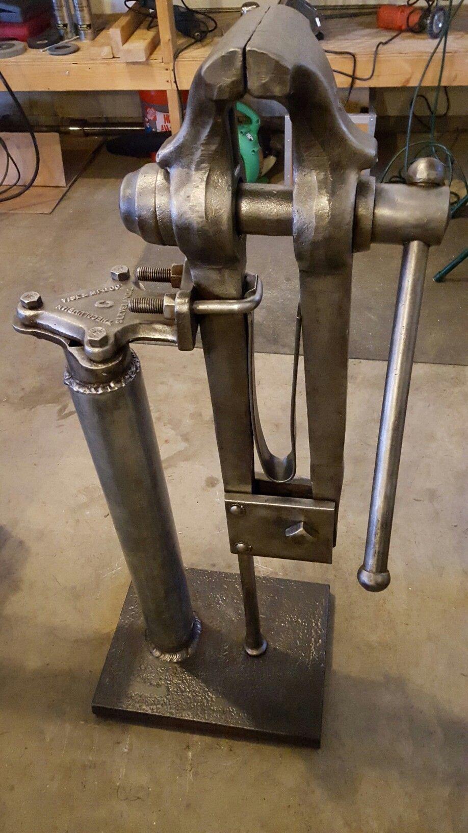 Blacksmith Leg Vise Blacksmithing Pinterest Legs