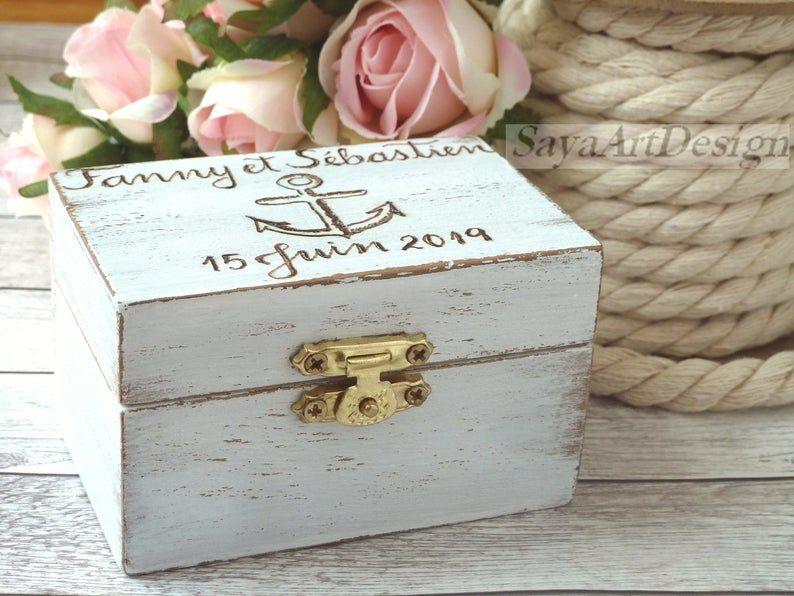 Photo of Scatola per fedi nuziali personalizzata personalizzata da spiaggia nautica. Supporto per anello di ancoraggio. Ring Bearer rustico in legno, decorazione di nozze conchiglie.