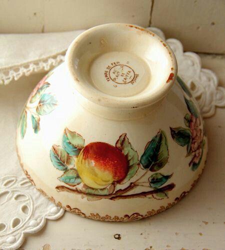 Le temps qui passe dans le jardin d 39 eug nie les objets ont ils une me pinterest vaisselle - Comptoir de famille vaisselle ...