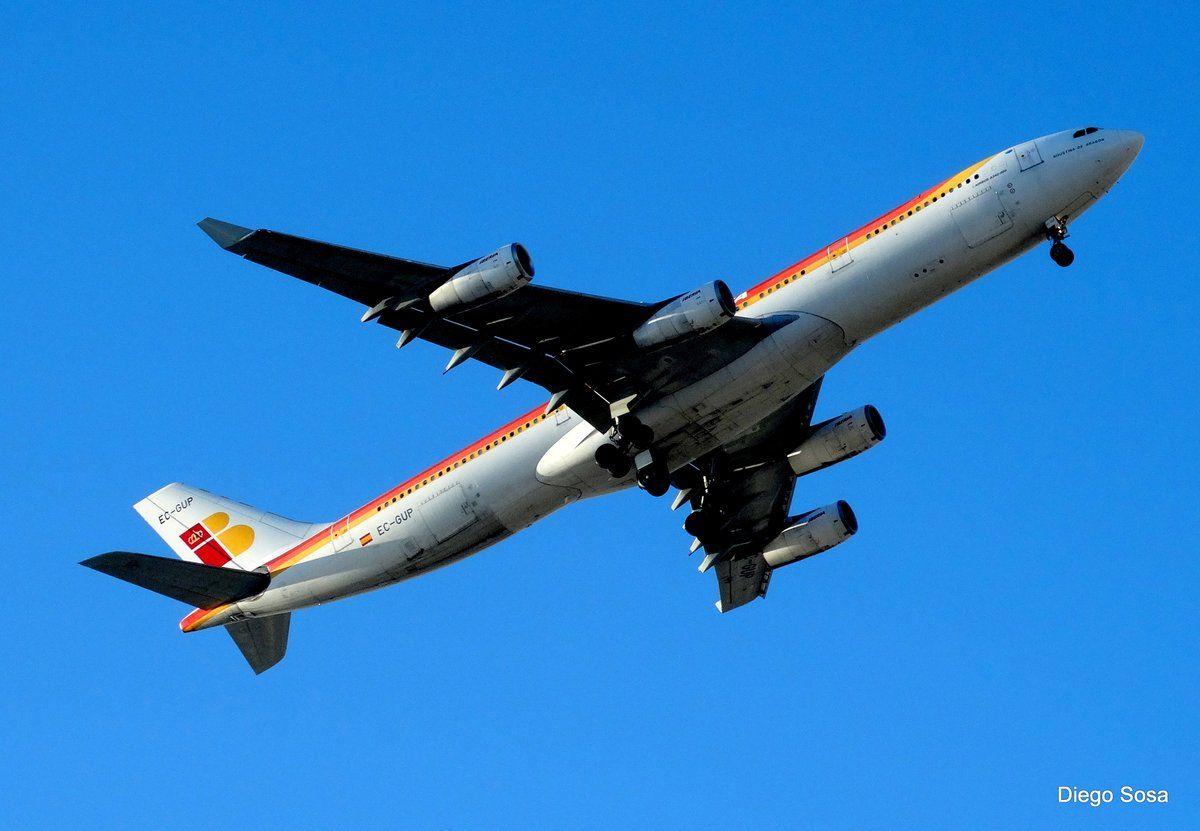 """A340-300 @IBERIA """"Agustina Aragón"""" en pleno vuelo"""