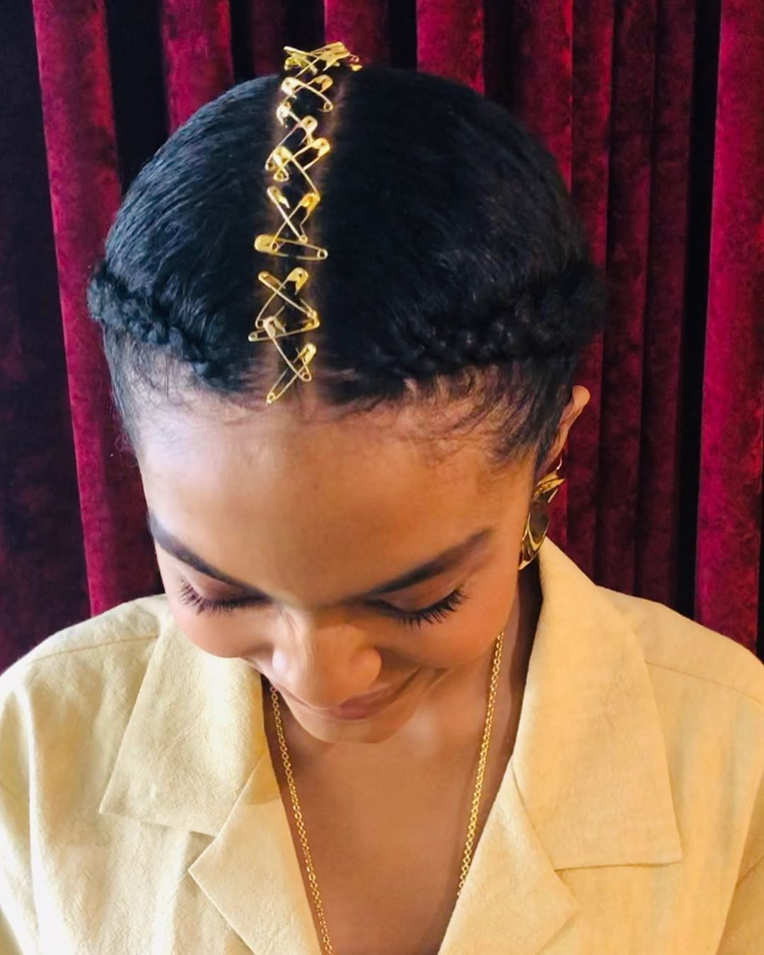 From afar, it looks like Yara Shahidi had gold dusted along her center part; but upon further inspection, you'll find she was wearing a braided middle part ADD @mwazomela FOR MORE PINS LIKE THIS DAILY #braidedstyle #braidinspo #hairinspo #cornrowstyle #beautifulhair #naturalhairstyles