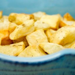 Air Fryer Crispy Home Fries Air Fryer Crispy Home Fries are a quick and easy side dish for those busy weeknights. They're made with good hard-working russet potatoes and require no soaking! | Air Fried Potatoes | Air Fry Potato | How to Make Home Fries | Air Fryer Ideas |