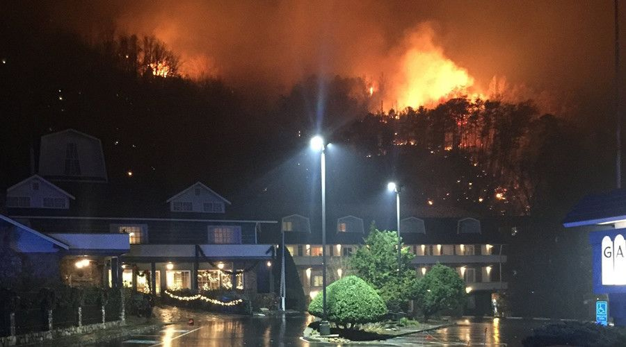 A wildfire burns on a hillside after a mandatory evacuation was ordered in Gatlinburg, Tennessee in a picture released November 29, 2016. © Tennessee Highway Patrol