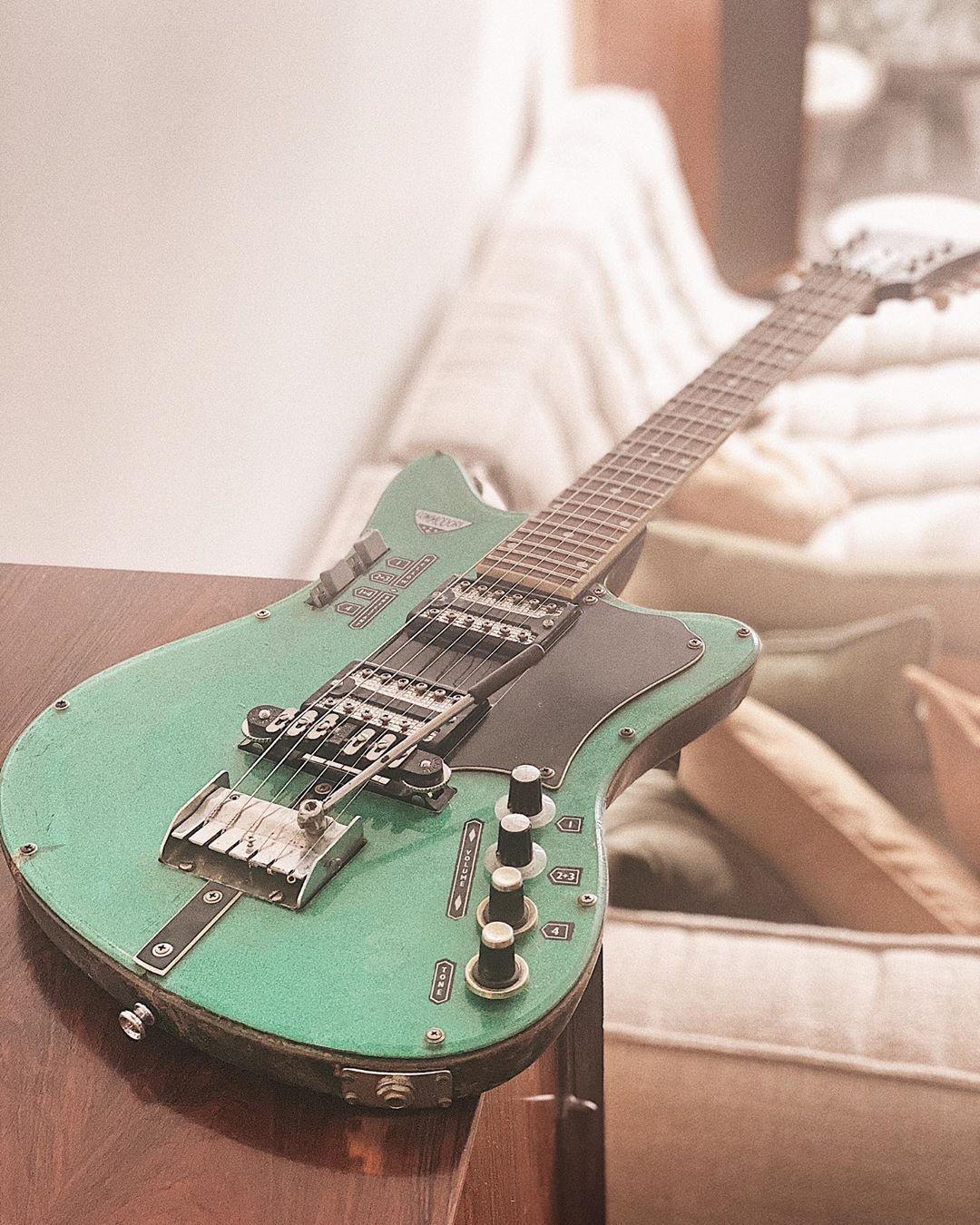 Pin By Ken Whitlock On Perfectly Good Guitars In 2020 Cool Guitar Palm Beach Sandals John Hiatt