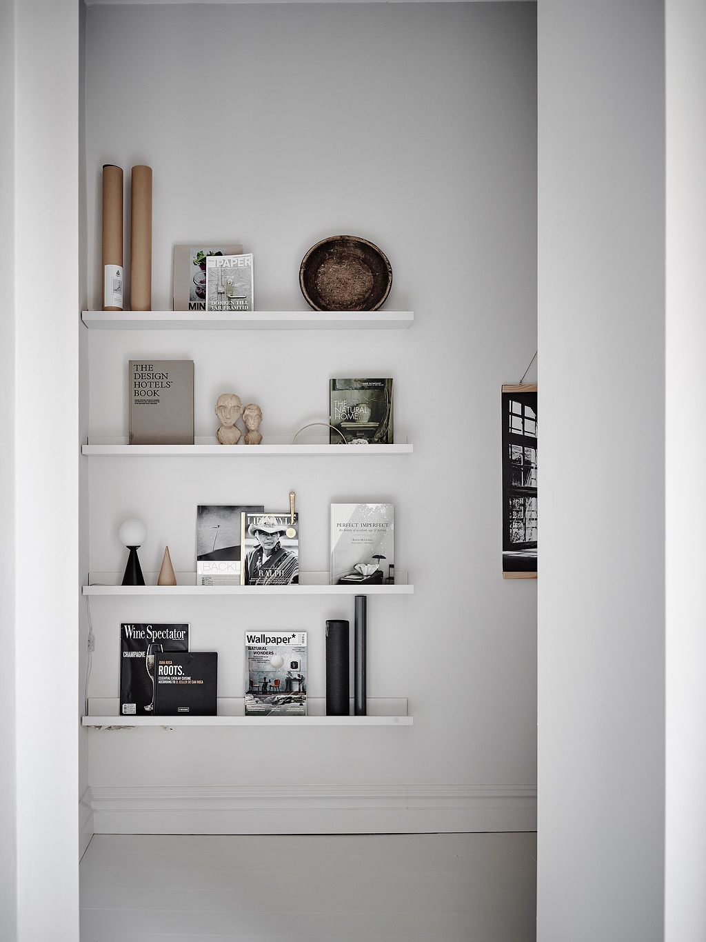 Stylish home in white and grey - via Coco Lapine Design