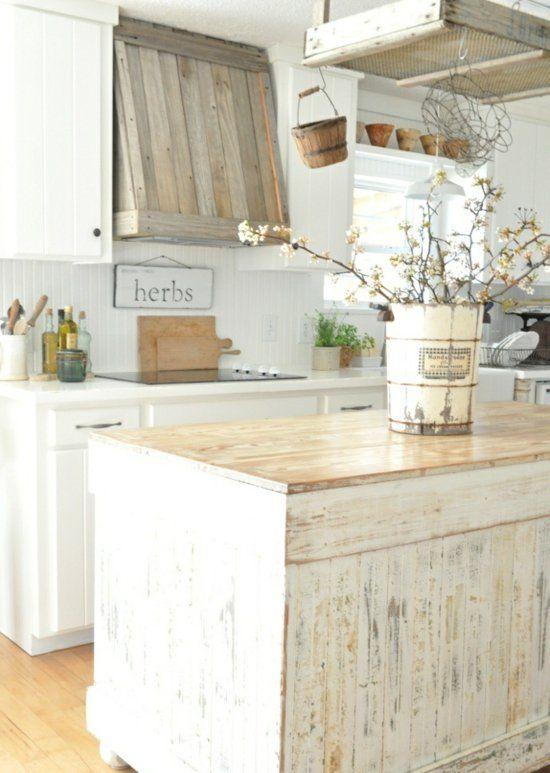 Dunstabzugshaube In Holz Verkleidet Fur Ihre Klassische Holzkuche Shabby Chic Dekor Kuchendekoration Haus Deko