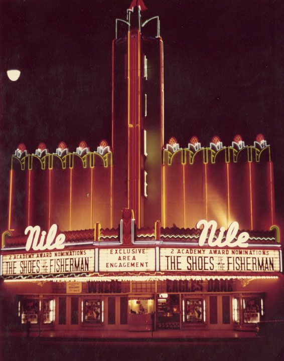 Nile Theater Bakersfield California 1968 The Nile Opened In 1906 As The Bakersfield Opera House In 192 Movie Marquee Vintage Movie Theater Vintage Movies