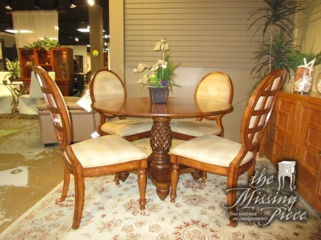 Lexington Home Brands Pineapple Base Dining Table With Four