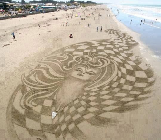 Amazing Beach Sand Art In Brighton Christchurch New Zealand My Home Town