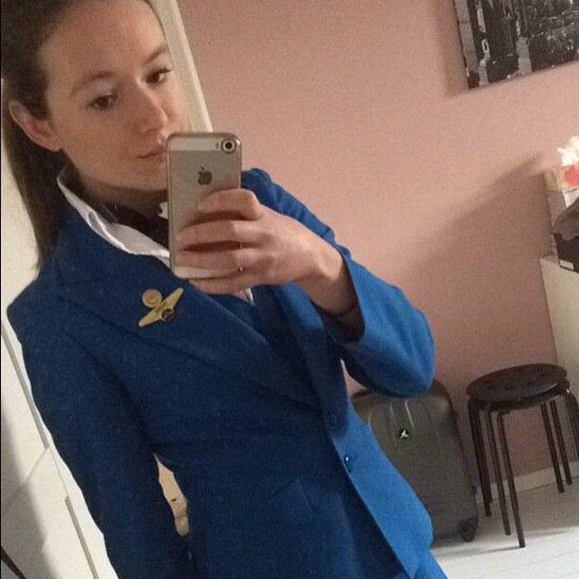 """@kimberleyanisa #flightattendant #stewardess #cabincrew #crewlife #flightcrew #wow #flygirl #hostess"""
