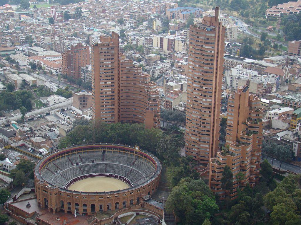 Cl Sicos De Arquitectura Torres Del Parque Rogelio Salmona  # Rogelio Muebles San Rafael