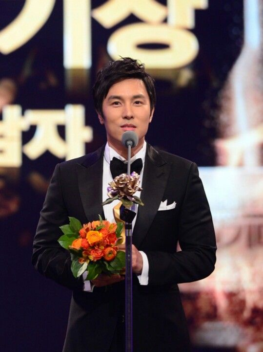 "2012 KBS Drama Awards | Kim Dong Wan won ""Male Excellence"" Award for 'Cheer Up, Mr. Kim!' (Daily Series)"