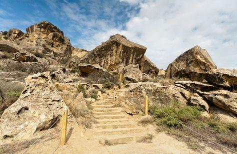 Baku Kuda Shodit Tem Kto Edet V Gorod Vpervye Day Tours Trip Tours
