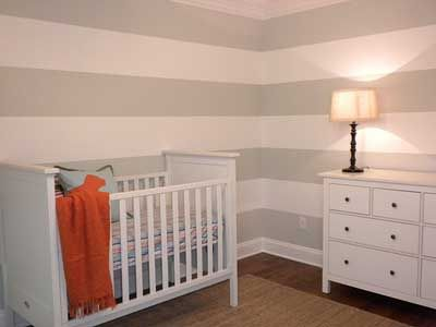 30 fotos e ideas para decorar y pintar las paredes a rayas proyecto simon y mama s room - Pintar paredes blancas ...