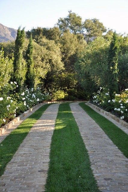 Hardscaping 101 Design Guide For Fences Height Styles: Hardscaping 101: Ribbon Driveways