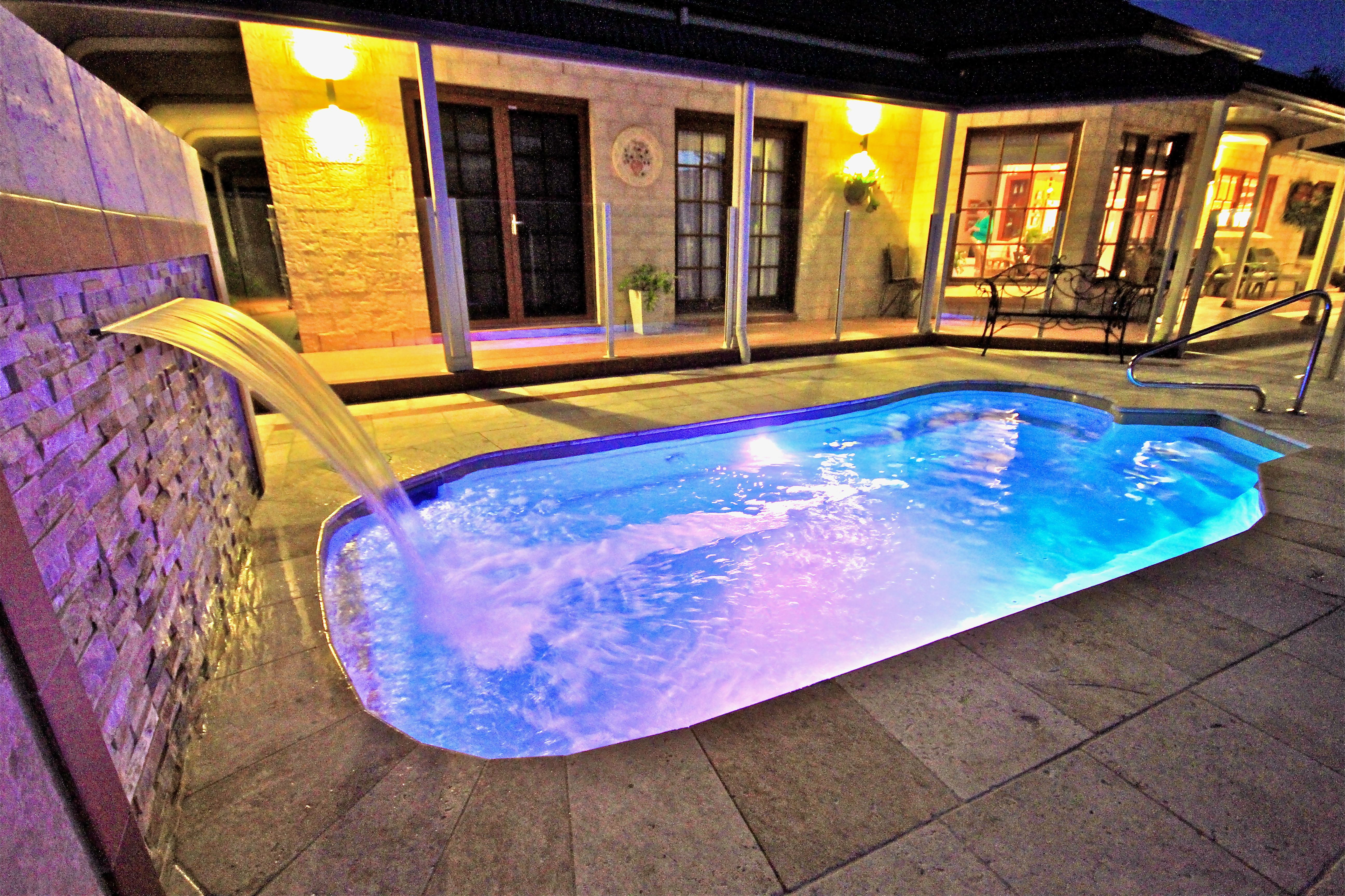 capri plunge pool the distinctive shape of the narellan pools capri plunge pool offers a contemporary