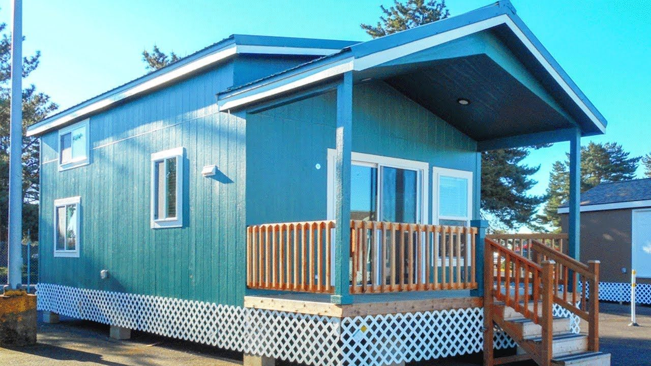 Absolutely Beautiful Edgewood II Park Model with Factory