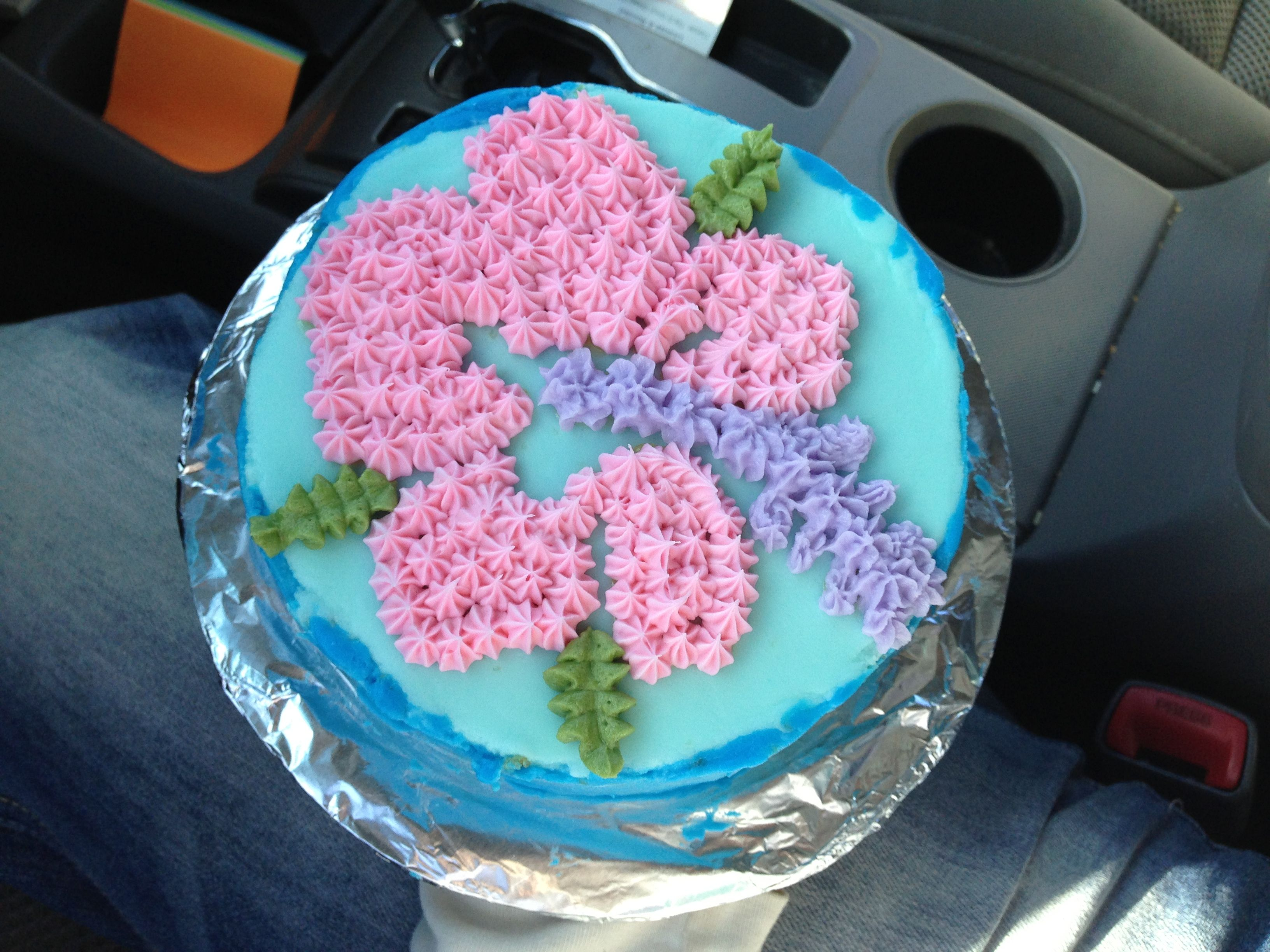 Final for my first class! Tropical cake. Strawberry filling
