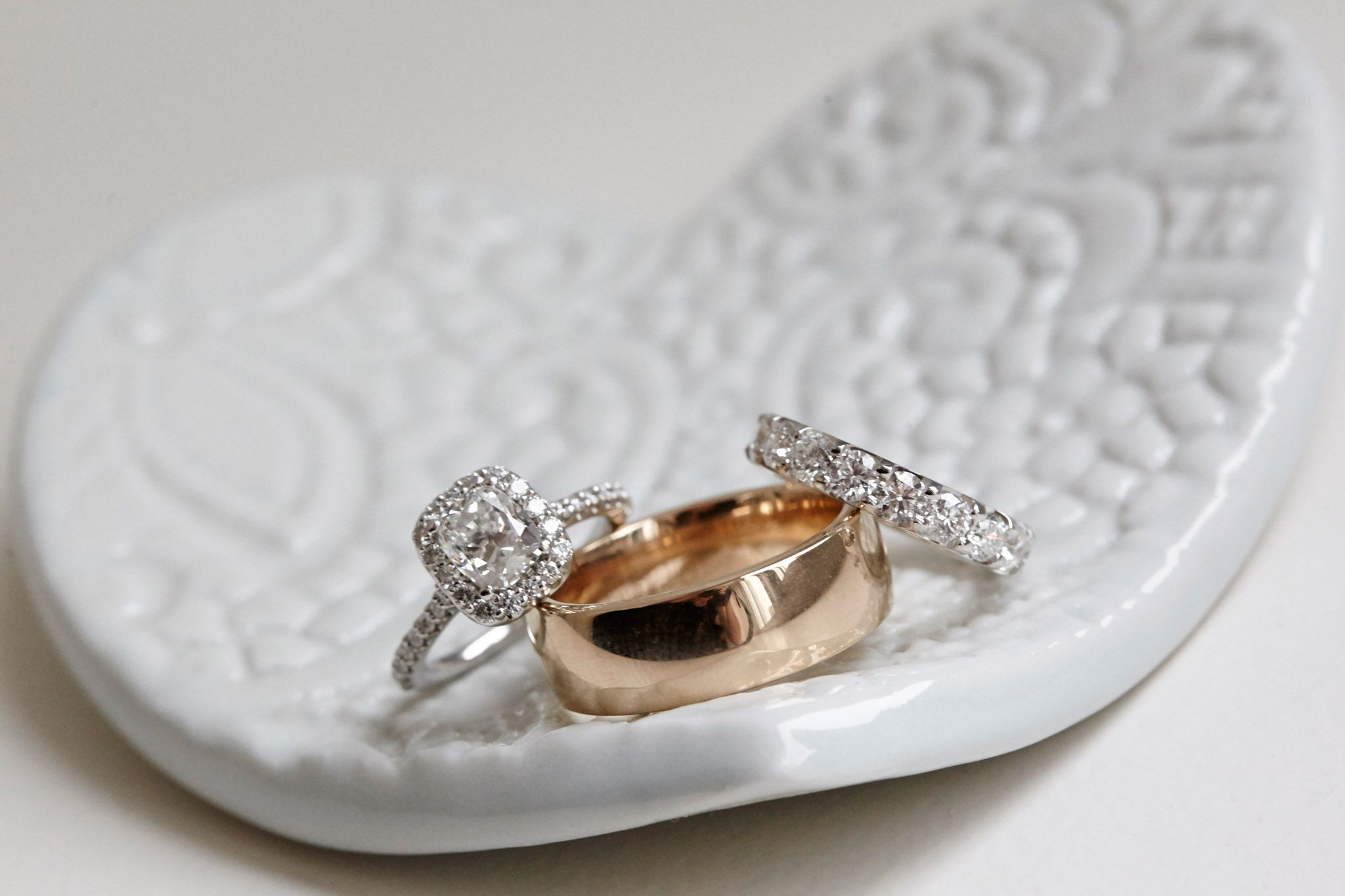Opulent Wedding With Organic Textures Elegant Decor In Chicago Inside Weddings Wedding Rings Wedding Inside Opulent Wedding