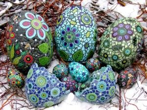 mosaic eggs for the garden