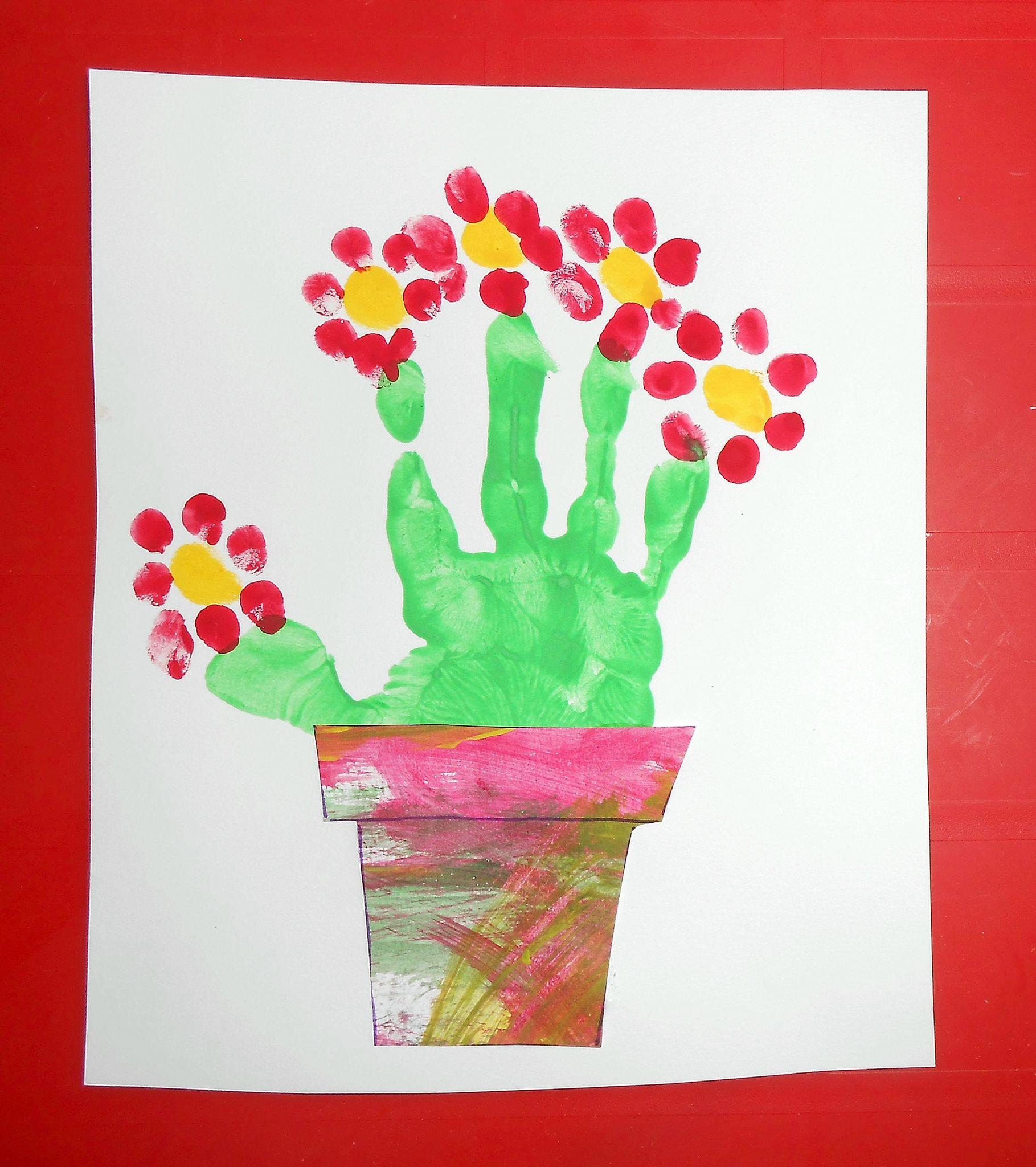 Bouquet de fleurs empreinte de main la maison f erique - Creation fete des meres ...