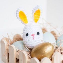A plastic easter egg makes a fun bunny rattle!!  @Jonathan Nafarrete Nafarrete Nafarrete London Dog Woof