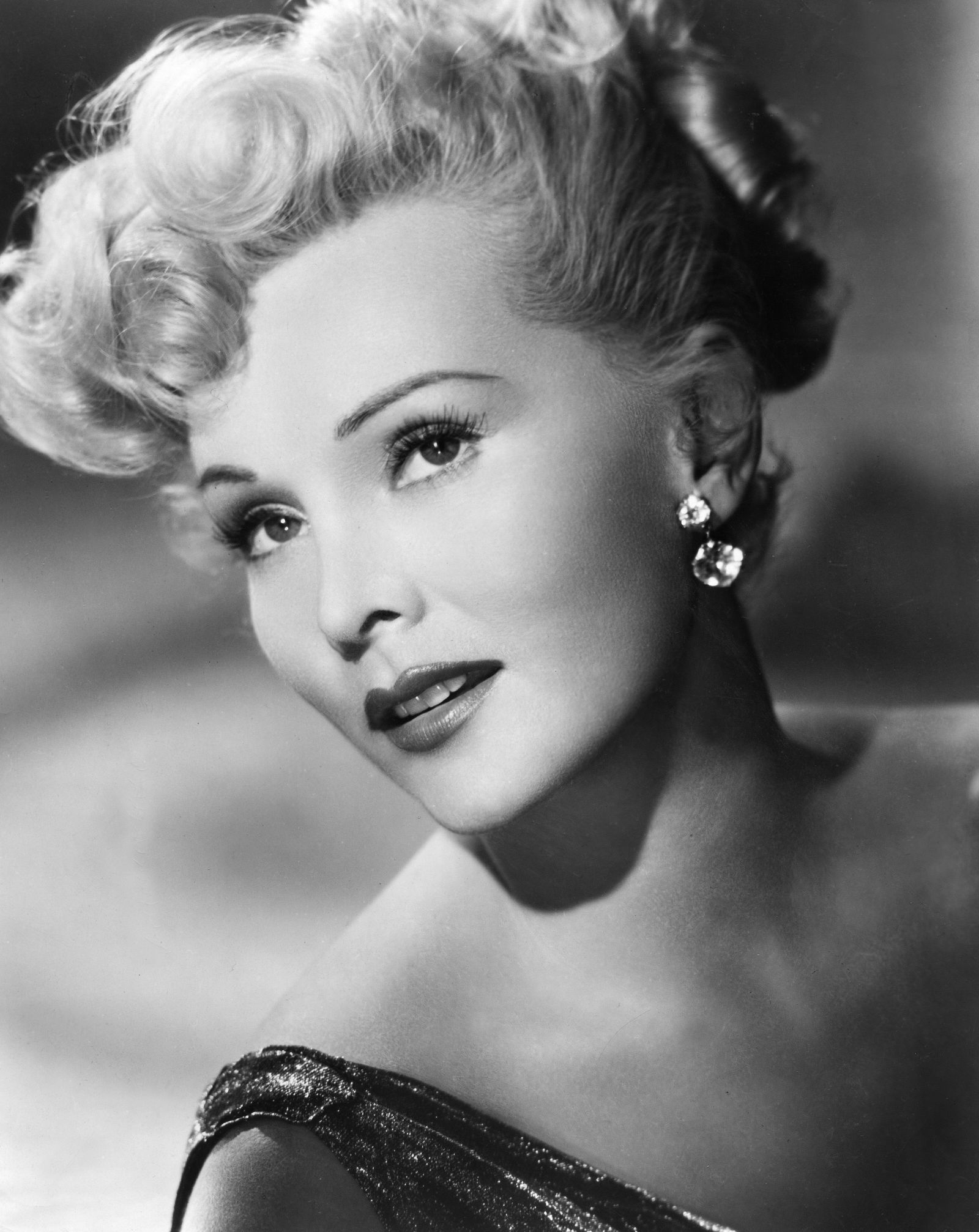 Zsa Zsa Gabor Quotes Zsa Zsa Gabor's Best Quotes Through The Years  Quotes Beauty And