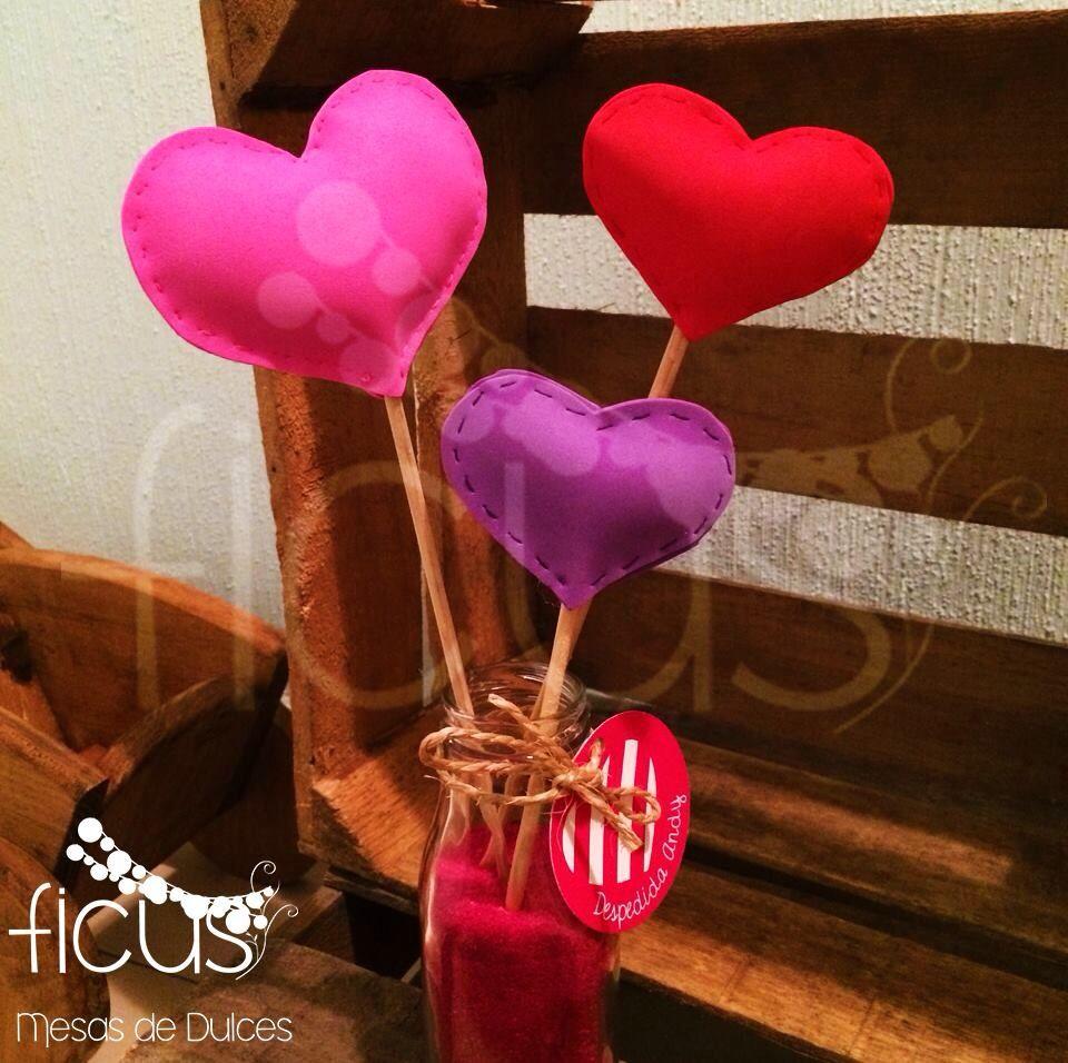 Centros de mesa despedida de soltera corazones 14 de - Centros de mesa con botellas ...