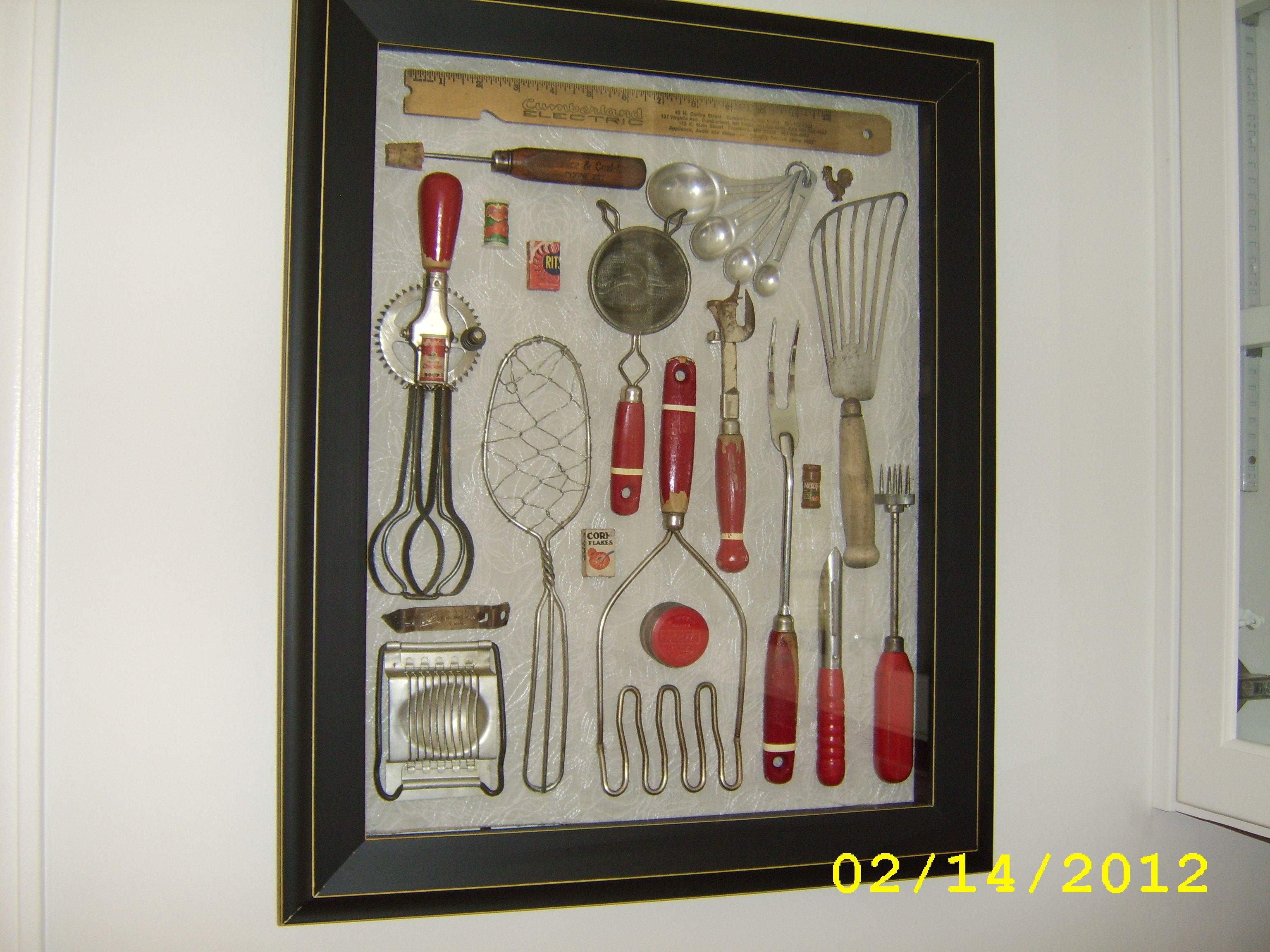 My mother and grandmother 39 s vintage kitchen utensils in a - Muebles de cocina alve ...
